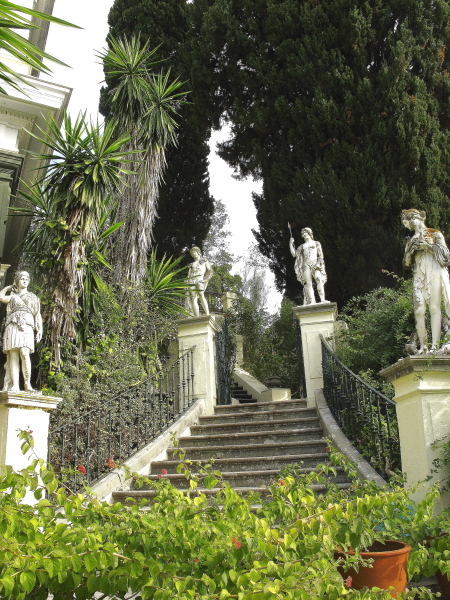 Jardin Achilleion Corfou, escalier des dieux